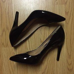 Isaac Mizrahi New York Pointed Toe Black Heels